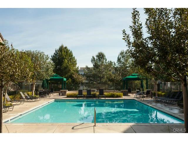 4 Benchmark Aliso Viejo Camden park is complete with a pool and spa.