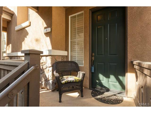 4 Benchmark Aliso Viejo The quaint porch welcomes guests to your new home!