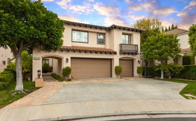 32 Crawford Tustin Welcome Home to Alicante, a gated Tustin Ranch Community.