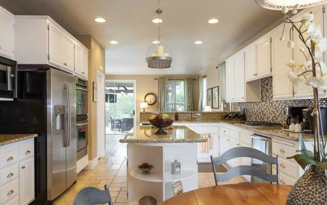 32 Crawford Tustin The family kitchen is perfect for cooking, entertaining, just co