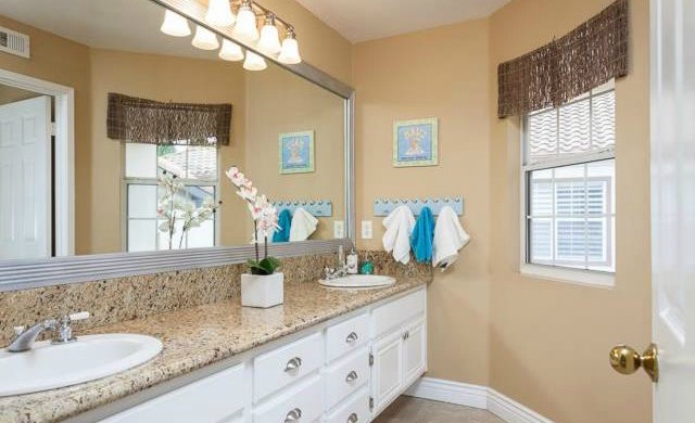 32 Crawford Tustin The secondary bathroom is remodeled too with granite countertops