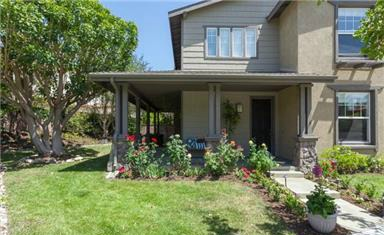 2 Laurenhurst Dr The side yard creates a special space for play, gardening and re