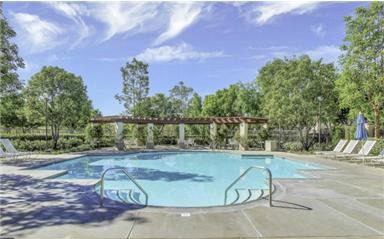2 Laurelhurst Dr Ladera Ranch has 4 resort style clubhouses and multiple pools.