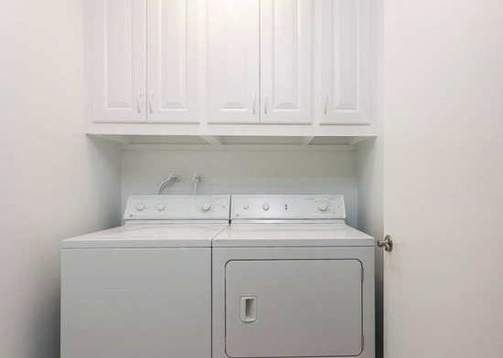 51 Woodleaf Irvine Laundry ROom