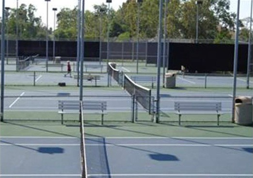 51 Woodleaf Tennis Courts