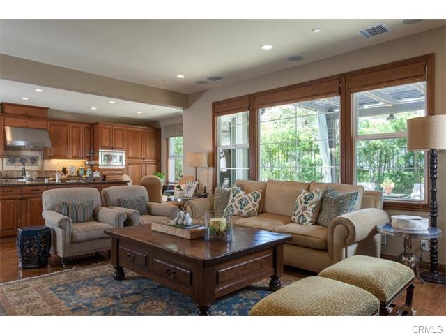 3 Drackert Ln The spacious family room off the kitchen overlooks the private o