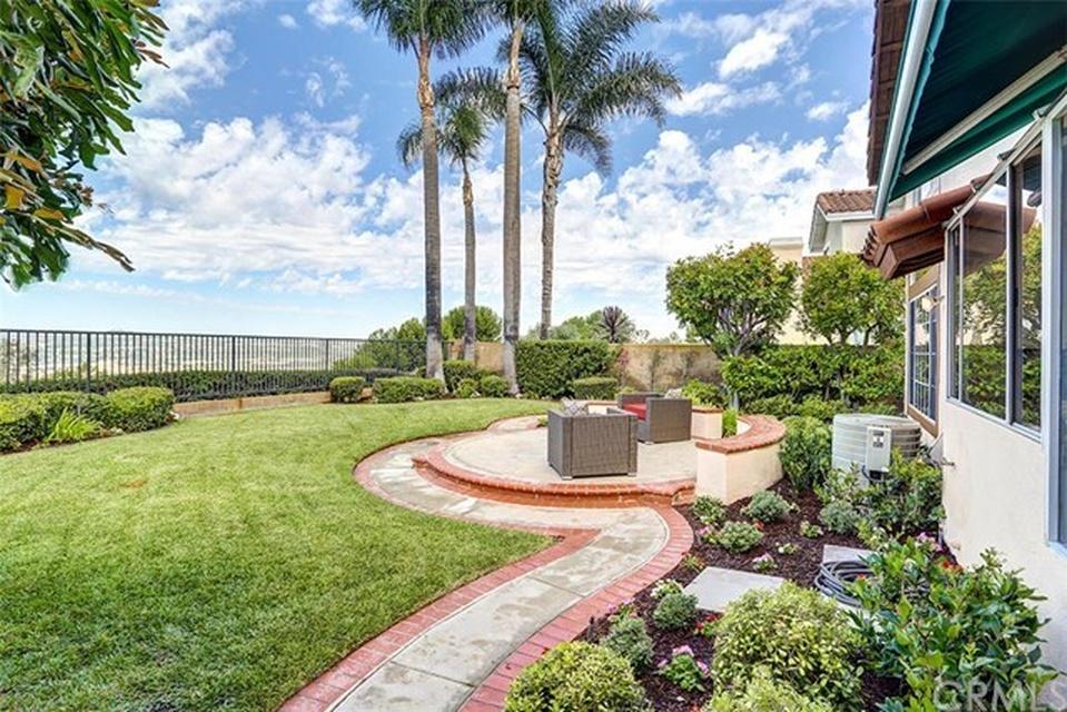 Rancho Grande  Walkway