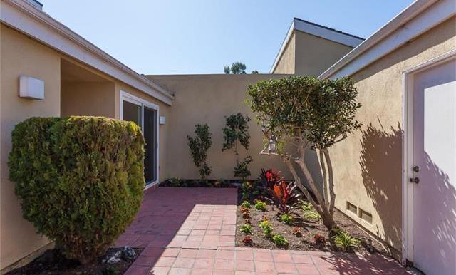 7191 Little Harbor Dr Huntington Beach Ca Courtyard