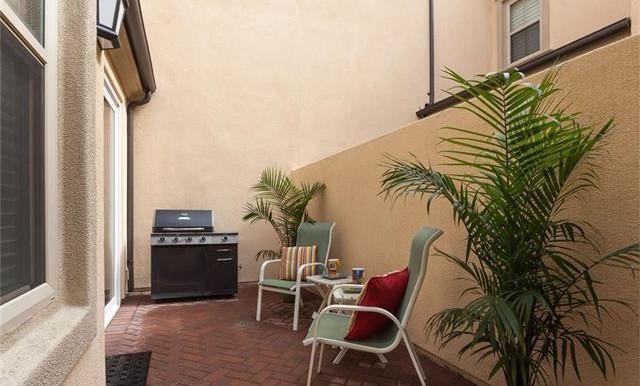 73 Towngate Irvine CA Backyard