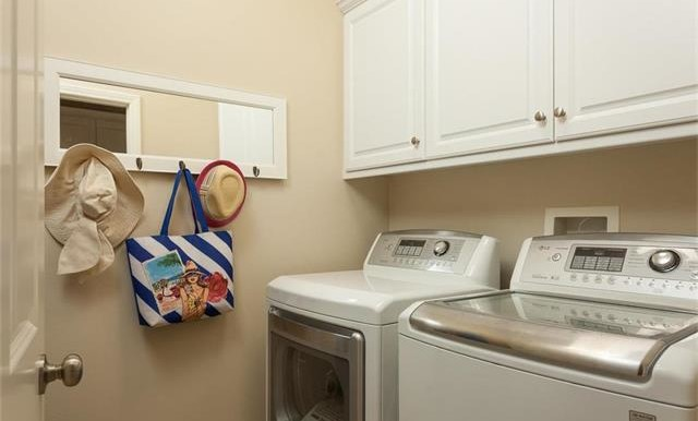 73 Towngate Irvine CA Laundry Room