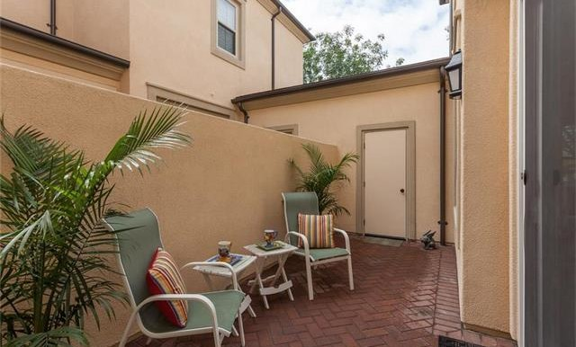 73 Towngate Irvine CA Side Yard