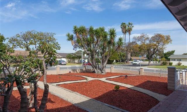 1946 W Lodi Pl Anaheim CA Front Yard