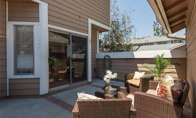 36 Monroe #44 Courtyard