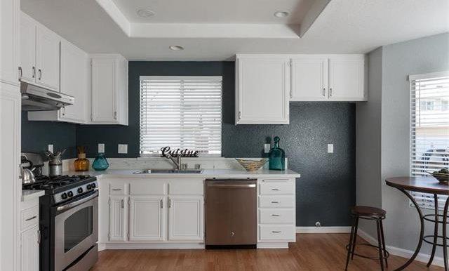 36 Monroe #44 Kitchen