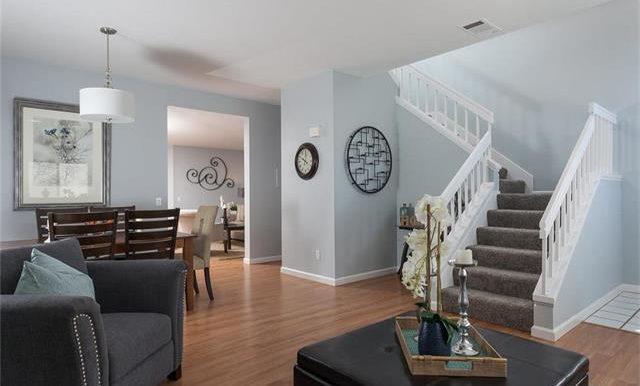 36 Monroe #44 Living Space