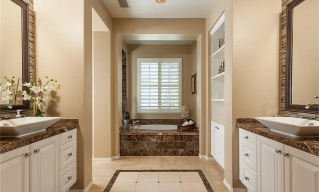 16-thornhill-st-ladera-ranch-master-bath