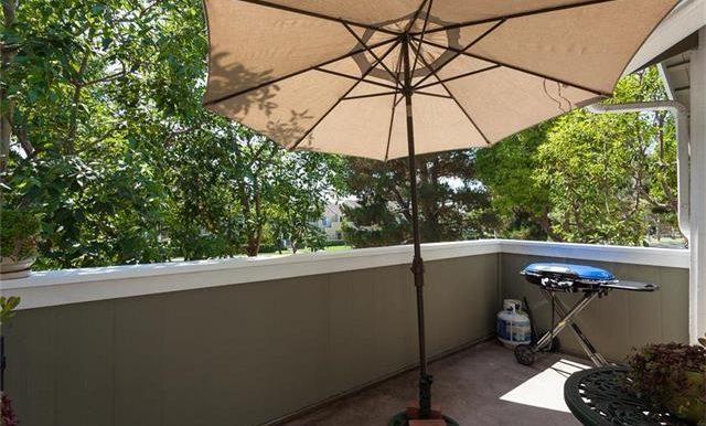 170 Monroe Irvine Balcony