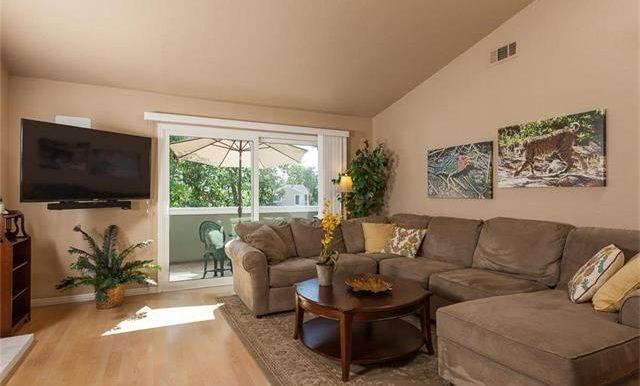 170 Monroe Irvine Family Room