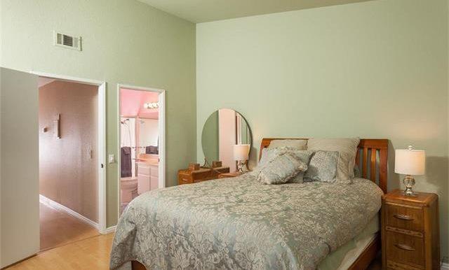 170 Monroe Irvine Master Room