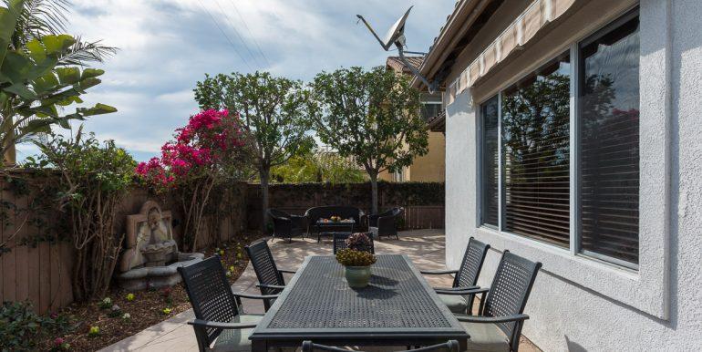 26242-paseo-toscana-bakyard-dining