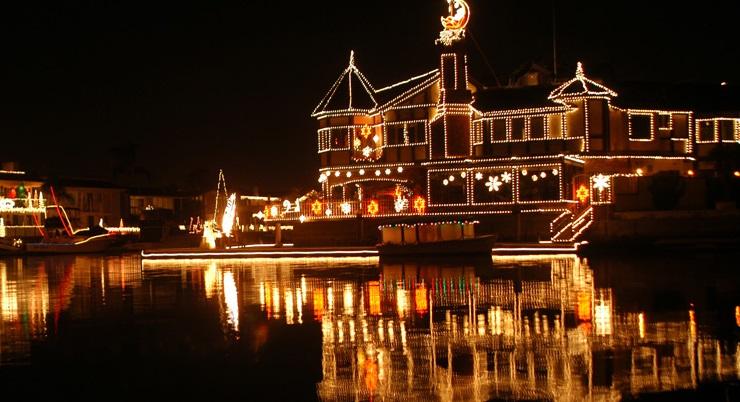 Orange County Holidays 2016 Cruise of Lights