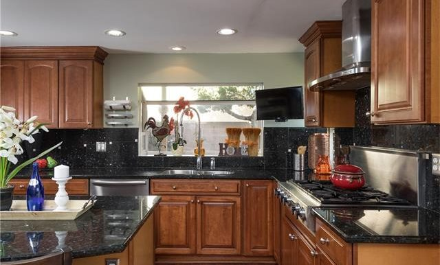 23322 Dune Mear Rd Kitchen Space