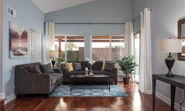 23322 Dune Mear Rd Living Room