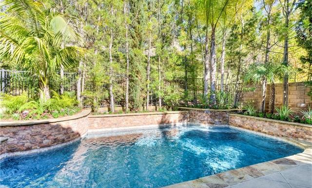 22 Roshelle Ln Private Pool Waterfall
