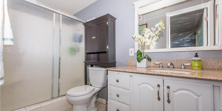 14422 Sandbrook Dr Tustin Bathroom 2