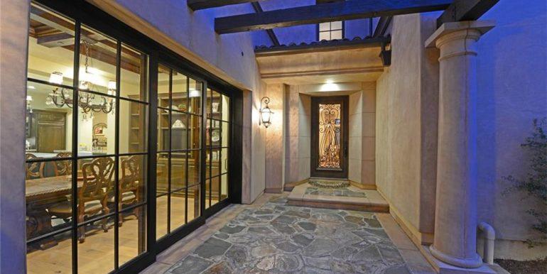 9 San Jose Courtyard Walkway