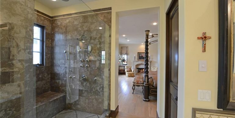 9 San Jose Master Shower