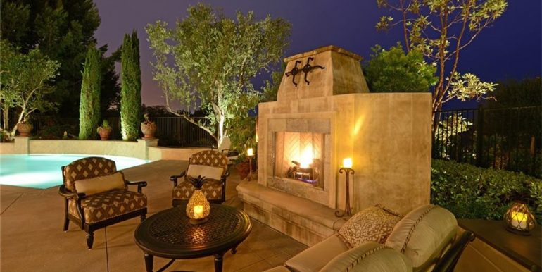 9 San Jose Outdoor Fireplace