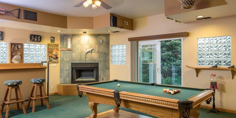 9642 Toucan Ave Fountain Valley Bar Space