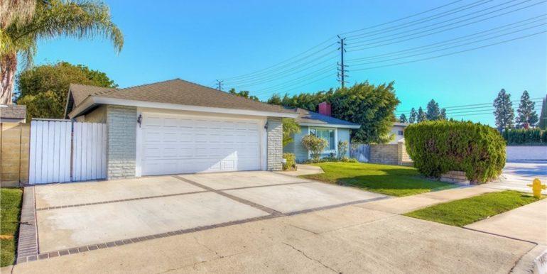 14492 Silverbrook Driveway