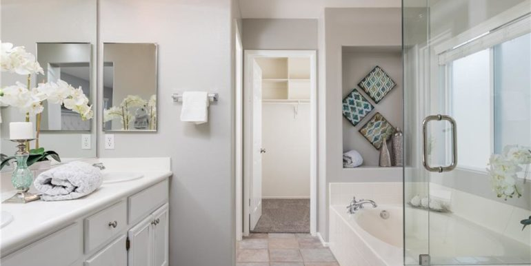 31 Livingston Pl Ladera Ranch Master Bath