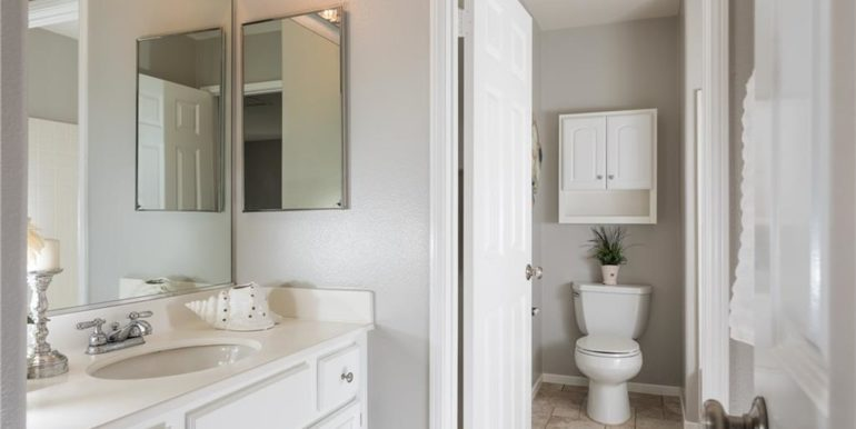 31 Livingston Pl Ladera Ranch Secondary Bathroom