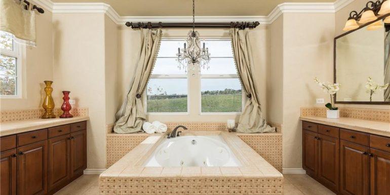 47 Michael Rd Master Bath