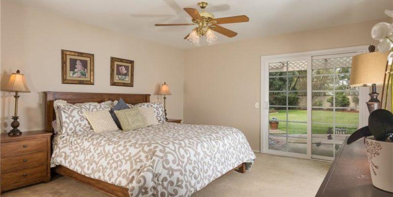 32 Allegheny Irvine Master Bedroom