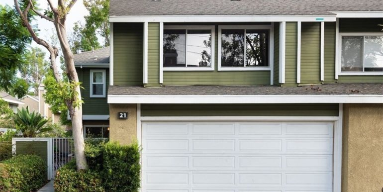 21 Twinberry Aliso Viejo CA Front