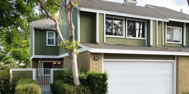 21 Twinberry Aliso Viejo CA Front View