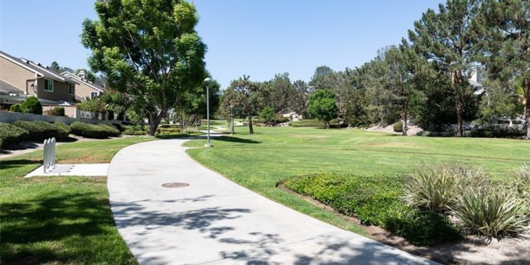 21 Twinberry Aliso Viejo CA Walking Paths