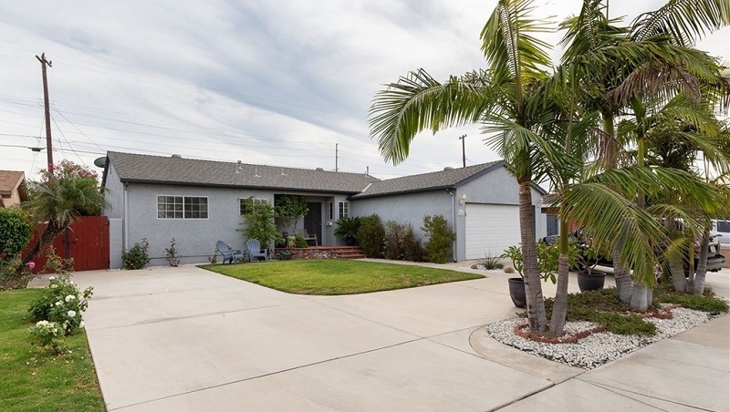 Get your start in Orange County or create a place all your own at 2448 W Glencrest Ave in Anaheim California, the magic capital of the country.