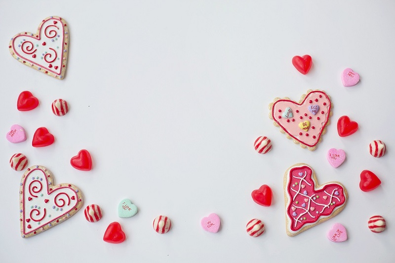 Valentine's Day desserts for school parties don't have to be difficult, they can be easy and fun to make Valentine's Day desserts, too.
