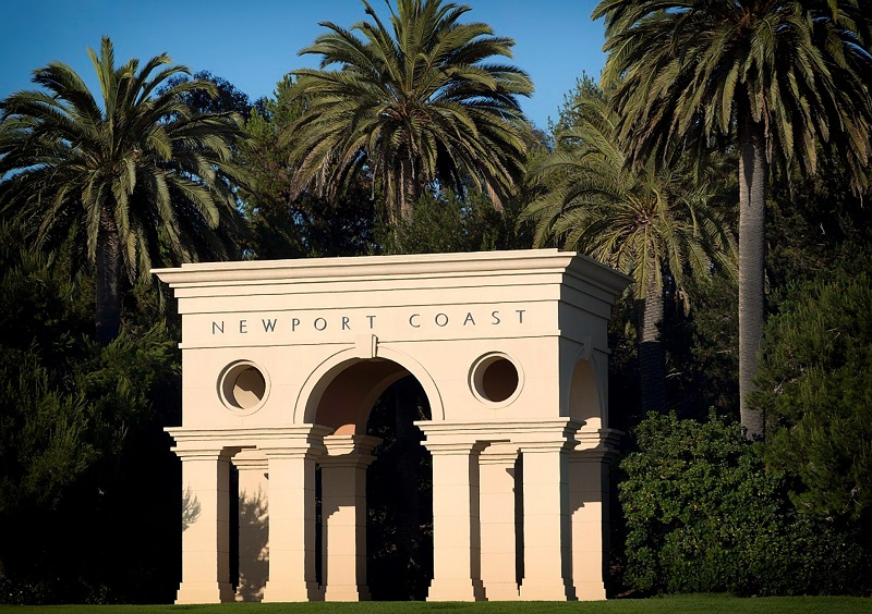 We love nothing more than to help our clients find their dream home and we helped our clients with the Newport Beach estate.