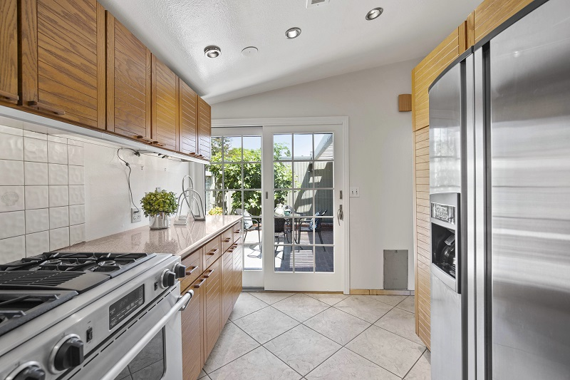 4308 Patrice Rd Newport Beach Kitchen