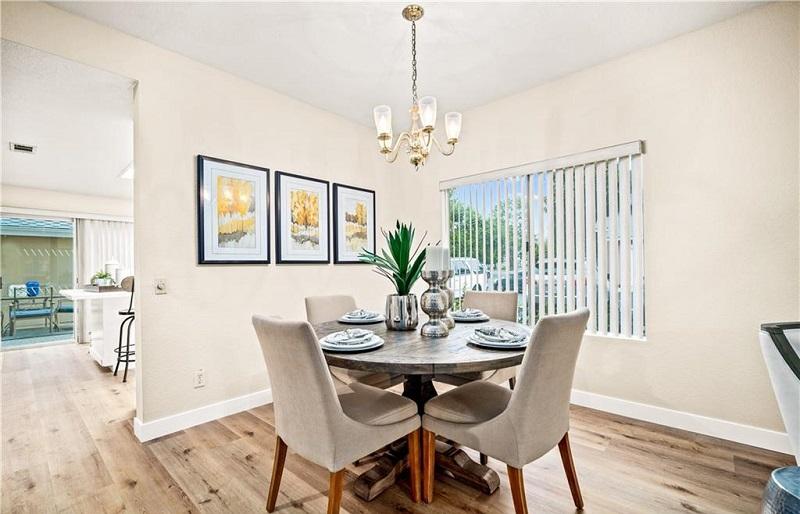 160 Monroe Irvine Dining Space