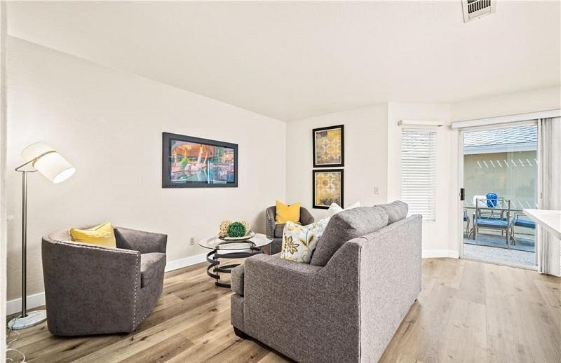 160 Monroe Irvine Family Room