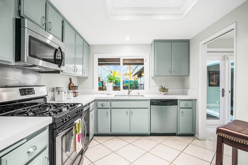 24371 Lake Terrace Ln Lake Forest CA Kitchen