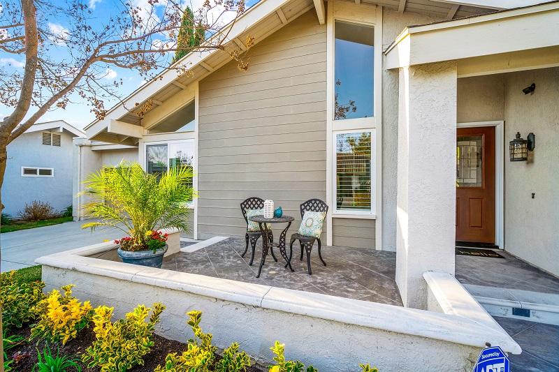 24371 Lake Terrace Ln Lake Forest CA Porch