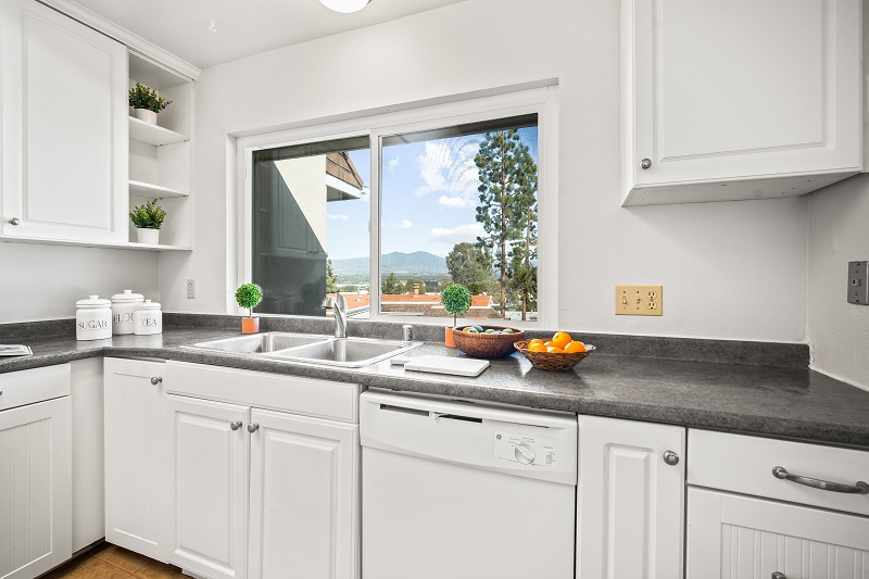 23455 Caminito Lazaro Laguna Hills CA Kitchen Window